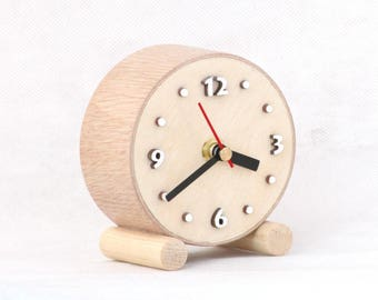 Natural Wood Desk Clock circle, LittleTable Wooden clock, Small cute clock, Nature decor for home, Spring gift trends for him , Gift for Mom