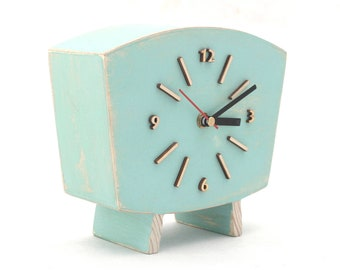 NO TICKING Pastel Mint Clock Table, Silent / Quiet Wood Desk Clock, Distressed Mantel clock, Shabby chic Summer Mint Green decor