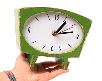 NO TICKING Wood Table Clock, Desk Fresh Green QUIET / Silent Clock, Green Apple Vintage style 70s, Summer tabletop decor,  Back to shool