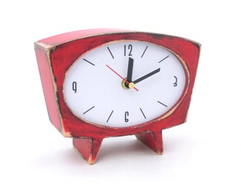 NO TICKING Desk Clock, Red Wood Table clock, Vintage 60s style Quiet Mantle Wooden Clock, Crimson distressed clock, March birthday gift