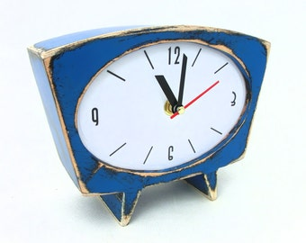 NO TICKING Desk Clock Blue, Wood Table clock, Vintage style 60s, Sky blue Spring trends, Blue decor, SILENT / quiet Mantle clock, March gift