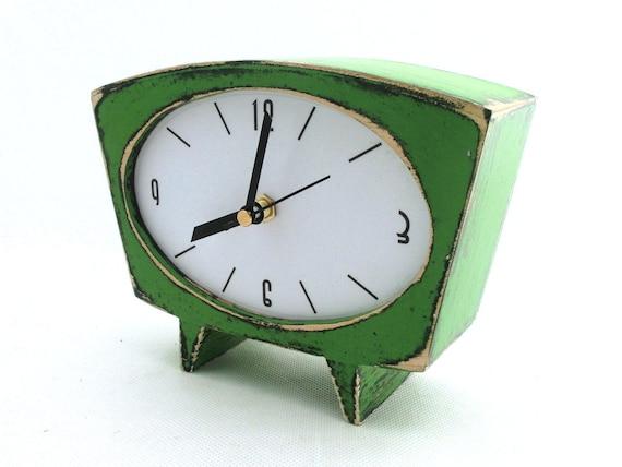Horloge de bureau vert table clock horloge à la main de bois