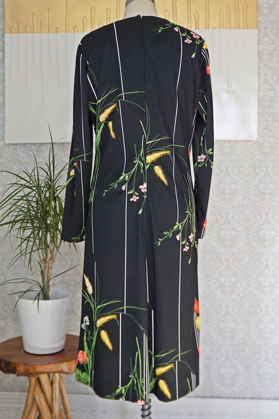 Vintage 70's Bold Tulip Print Chic Dress - image 5