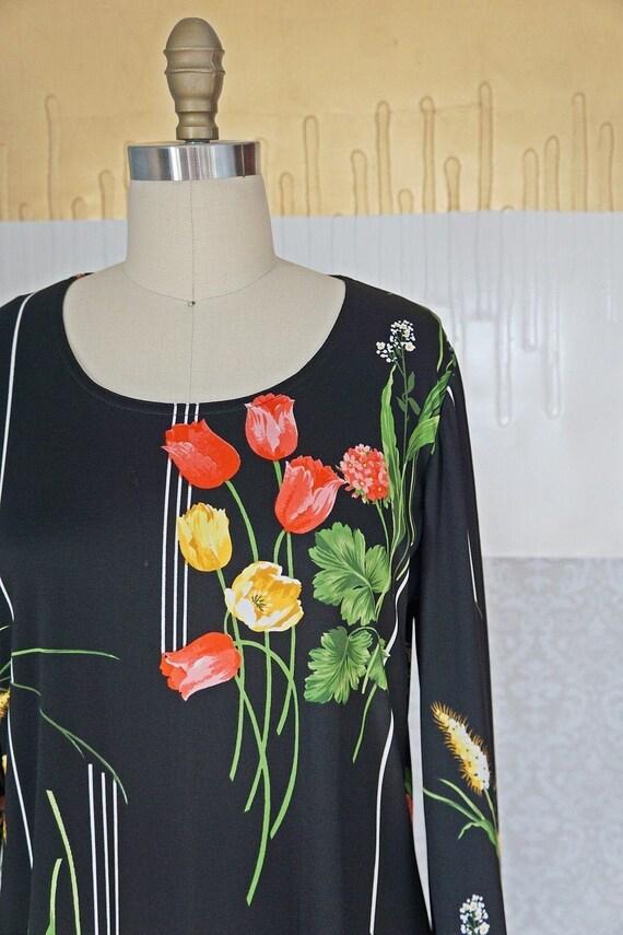 Vintage 70's Bold Tulip Print Chic Dress - image 2