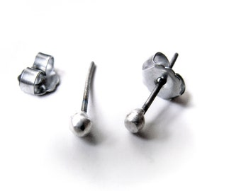 Tiny titanium/niobium sparkle studs