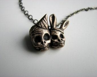 Party skulls pendant,