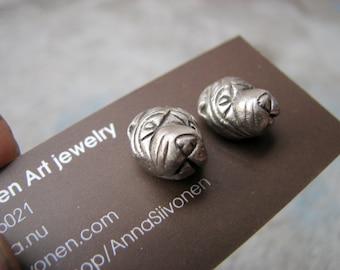 Dog earrings shar pei white bronze