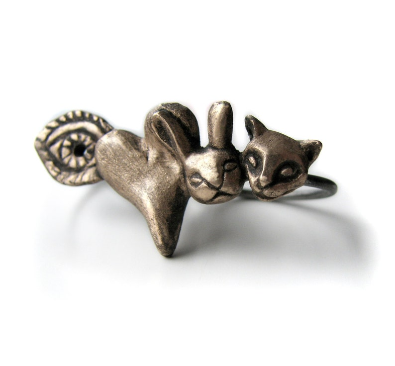 Two finger ring I love animals riddle