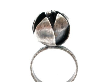 Flower Bud Ring in Oxidized Sterling Silver- Botanical Ring - Size 7.5 - Blossom Ring - Rustic Flower Ring - Mori Ring - Blossom Jewelry