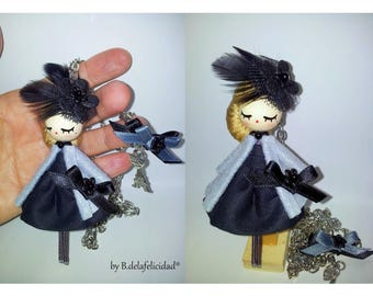 Brooch doll and necklace/Doll necklace/Doll brooch
