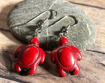 red sea turtle , reconstituted turquoise stone, silver fish hook earrings -  ocean animal / beach / summer / boho hippie teen / gift