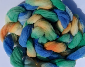"""Babydoll Southdown Wool for Spinning 4 Ounce Braid Combed Top Roving Blue Orange Yellow GreenFiber  """" Pinwheel """""""