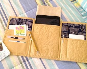 "Quilted Tri Fold Tote - Mini iPad Case PDF - Tablet Tote - Tablet Travel Case - 7"" tablet case pattern - Quilted E-reader Case - #523"