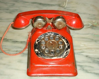 vintage 1950s metal red play telephone tin toy