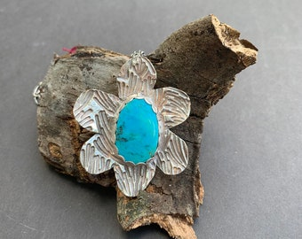 Turquoise and fine silver flower pendant