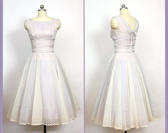 aff8d1da60b Vintage 1950s Dress