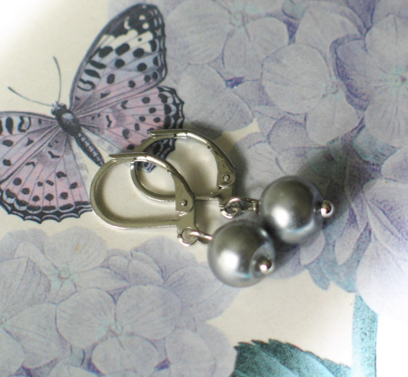 Silver Gray Pearl Earrings 18th century style jewelry Pearl image 0