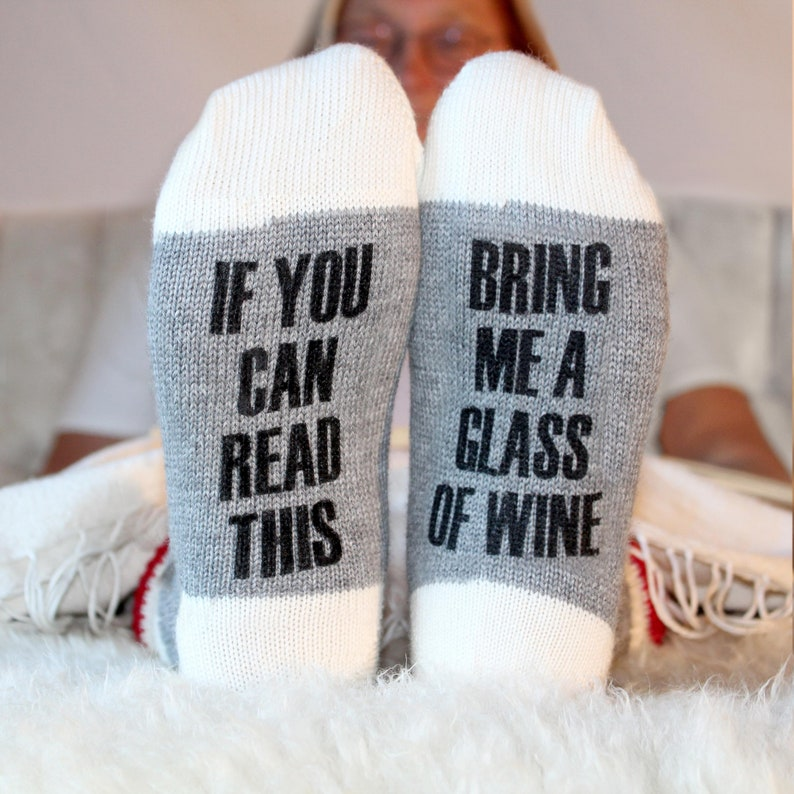 If you can read this bring me a glass of wine. Funny printed image 0