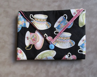 Teacups Padded Clutch Bag - Perfect Travel case for cosmetics, Kindle, Nook, e-readers