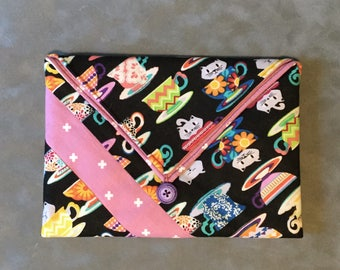 Cats in Teacups Padded Clutch Bag - Perfect Travel case for cosmetics, Kindle, Nook, e-readers