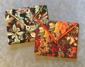 Autumn Leaves padded Clutch Bag - Perfect Travel case for cosmetics, Kindle, Nook, e-readers