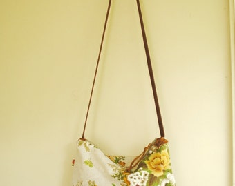 Cross-body bag / vintage floral linen / adjustable leather strap