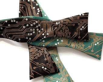 Circuit Board Bow Tie - Men's Bow Tie - Geek Bowtie - Adjustable Freestyle Bowtie - Computer Gift -  Engineer Gift