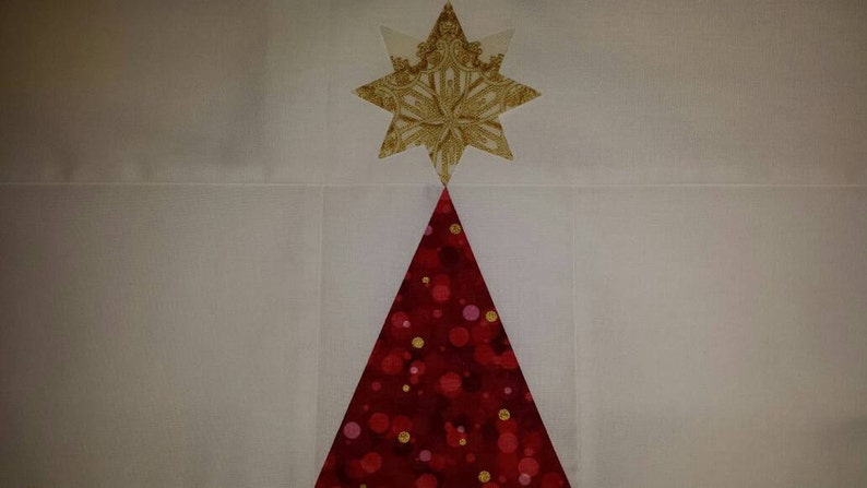 Quilted Wall Hanging O Christmas Tree Quilt Top Christmas Fabrics Isoceles Triangle Wall Hanging Robert Kaufman Fabrics