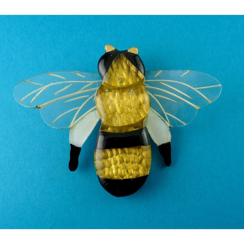 Gold /& White Black Large 1940/'s Reverse Carved Lucite Bumble Bee Brooch Pin