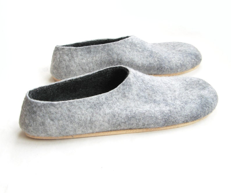 0c675e27343c7 Gift for Dad Felt Slippers Wool felt Shoes, Wool Slippers Mens Wool felt  Slippers, Minimalist shoes Organic Wool, Personalized 7 Color Soles