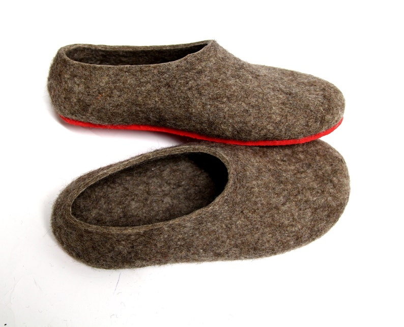 Rustic House Slippers woman Woolen Clogs Acorn, brown Indoor Shoes womens Moccasins, simple Boiled Wool women's Slippers, FALL felt Loafers
