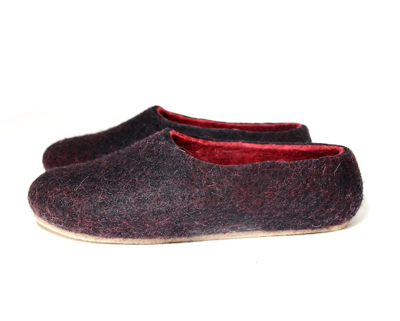d6bafcde78b6 READY to SHIP Felted Slippers Black red with cork soles