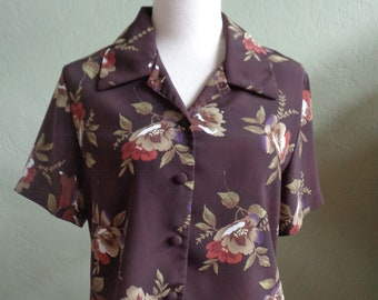 43fd7b5b Vintage 80's Christie & Jill Short Sleeved Floral Blouse with Dark Brown  Background Covered Buttons Bust 43