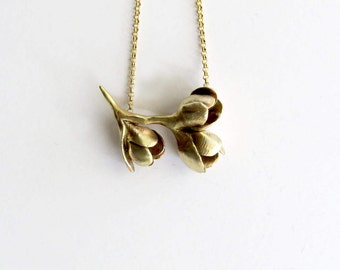 Bunch of flowers pendant, dainty botanical necklace