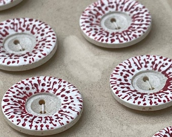 24 Vintage 1950s Speckled Red & White Plastic Buttons (18mm)