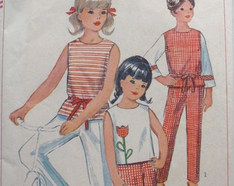 Vintage 1960s Girls Sewing Pattern - Back Buttoned Top, Pants and Shorts - Simplicity 6476 - Size 10, Breast 28