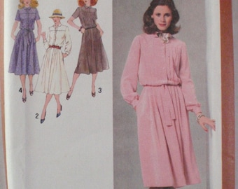 Misses 1970s Dress and Tie Belt Sewing Pattern - Simplicity 9254 - Size 6, Bust 30 1/2 - Uncut