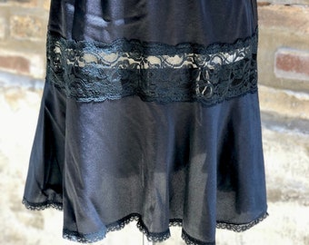 Black Half Slip by Sears Doesn't Slip, 1960's Lingerie All Nylon Anti Cling Elastic Waist With Lace Panel And Lace At Hem, Satin Look Short