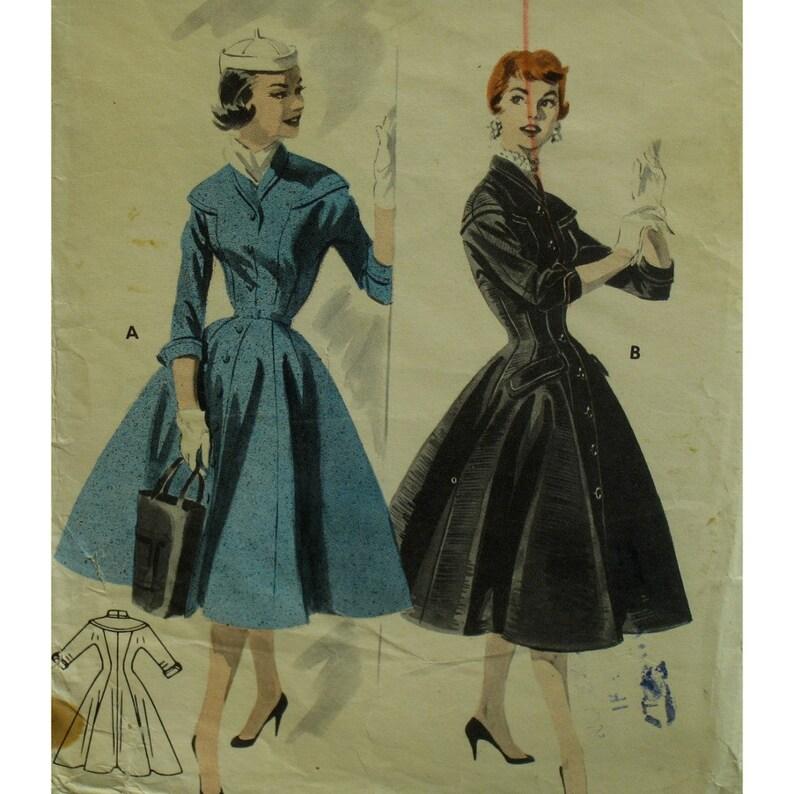 96127c1c7cc6 Modello di abito cappotto 1950s montato corpetto gonna