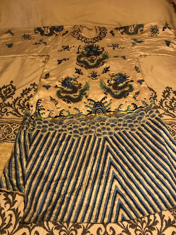 Amazing antique chinese embroidered silk water dra