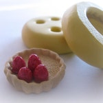 Tiny Strawberry Pie Crust Mold Charm Resin Clay Kawaii Sweets Pie Dish