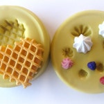 Miniature waffle mold kawaii diy jewelry mold tiny frosting and berries decoden waffle cabochon mold