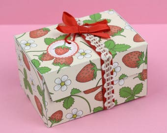 Strawberry Printable Gift Box/ Favor Box, 2 templates to print & make yourself, strawberry fruit, flowers, Digital Instant Download - B1002