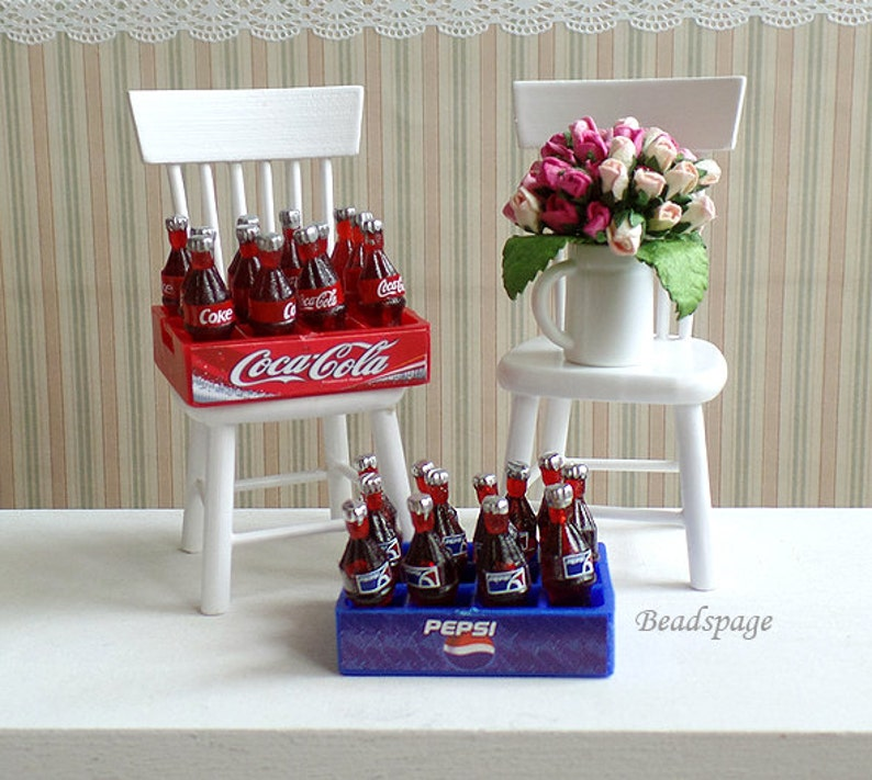 Dollhouse Miniature Case of 12 Pop Bottles /& Sign Old Time Store 1:12 scale