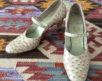 1950's White Ostrich Skin Mary Jane Heels Vintsge Pumps Size 9 by Maeberry Vintage