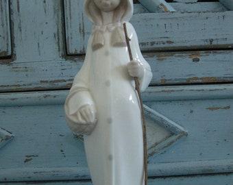 Lovely Lladro Girl Figurine