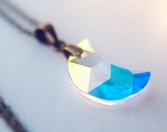 Swarovski moon necklace,crescent moon jewelry,crystal moon pendant, celestial jewelry, swarovski necklace, girlfriend Gift for women
