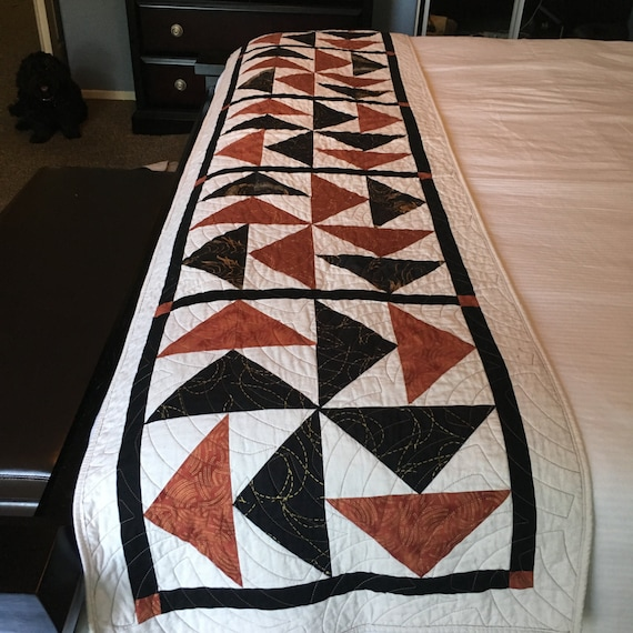 DUTCHMAN'S PUZZLE - Hand Quilted Bed Runner