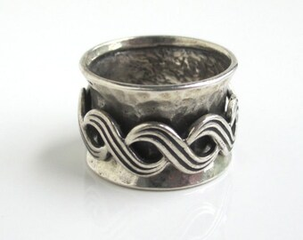 Sterling Silver Spinner Wide Band Ring - Vintage Handmade w/ Hammered Textured, Size 5
