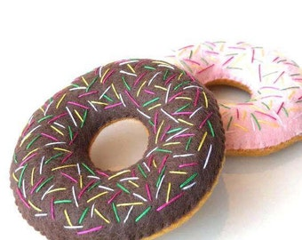 Felt food donut with sprinkles set, chocolate & strawberry glazed donuts, eco friendly toy, pretend food for play kitchen, felt donuts